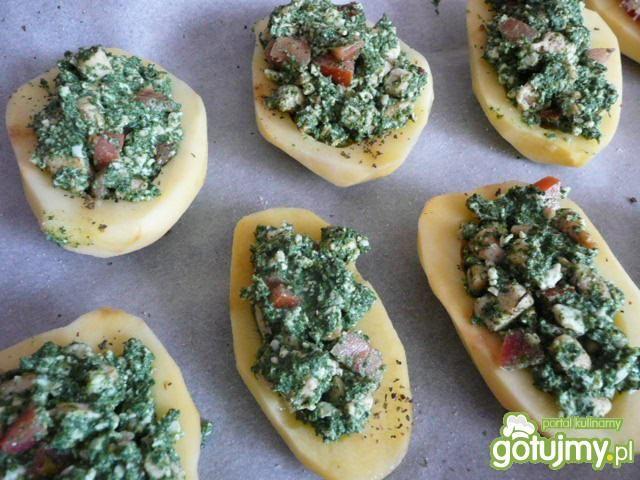 Ziemniak pieczony z boczkiem i szpinakie