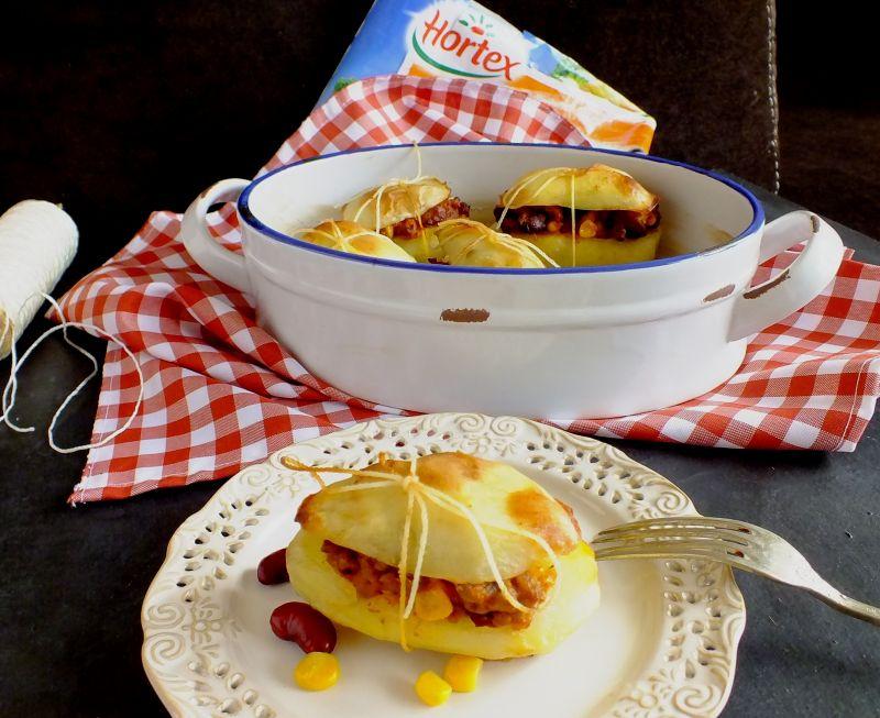 Ziemniaki pieczone z chili con carne