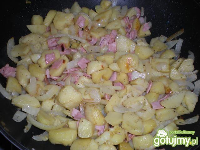 Ziemniaki smażone na maśle z cebulką