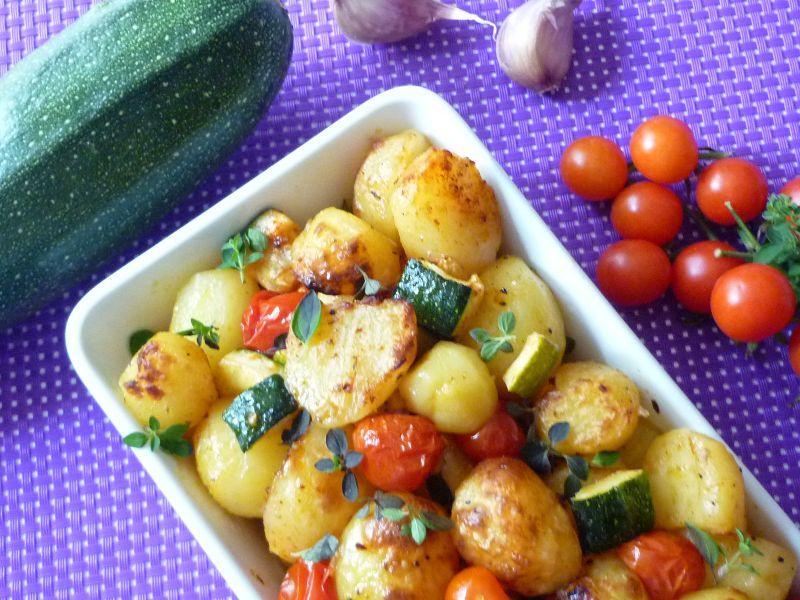 Ziemniaki zapiekane z cukinią i pomidorami