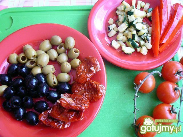 Ziemniaki zapiekane z salsą oliwkową