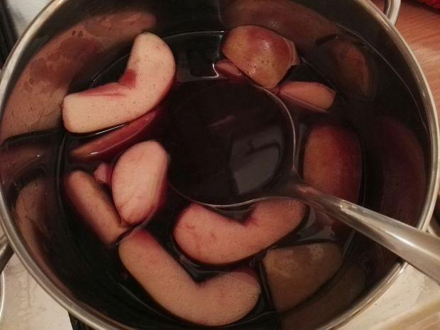Zimowy grzaniec z jabłkami