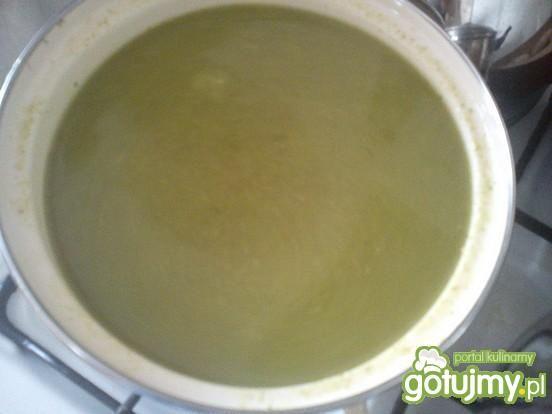 Zmiksowana zupa z brokuła