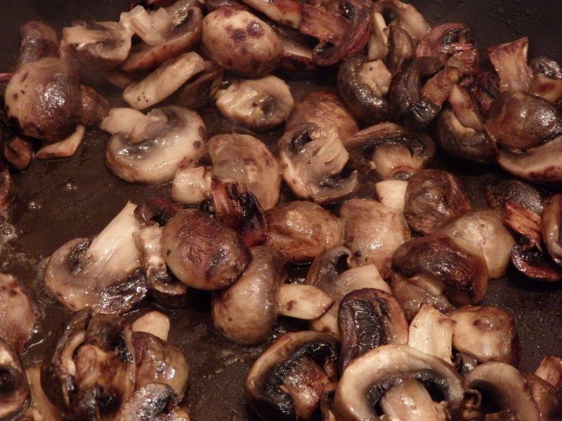 Żołądki duszone z pieczarkami