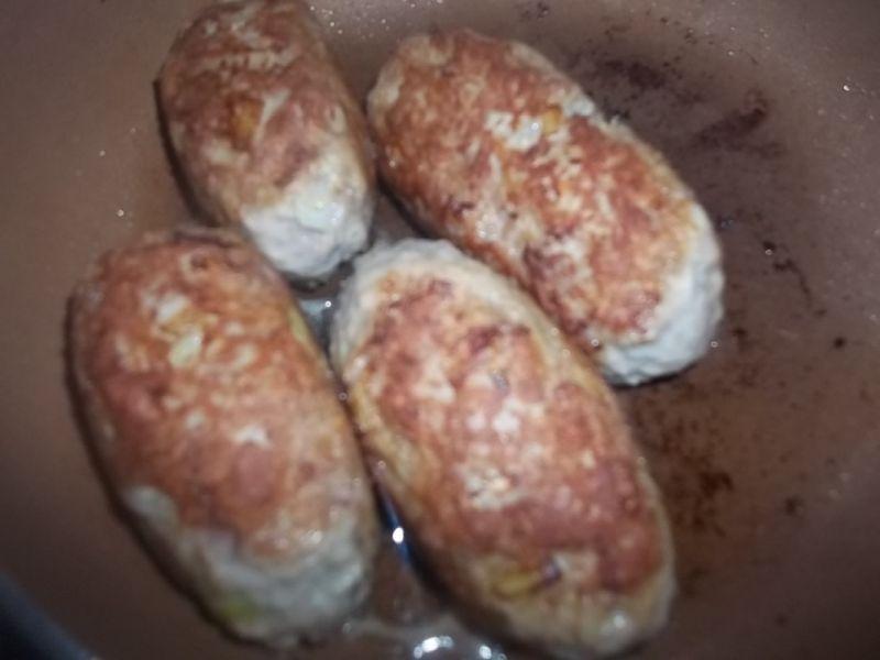 Zraziki z mielonego w grzybowym sosie