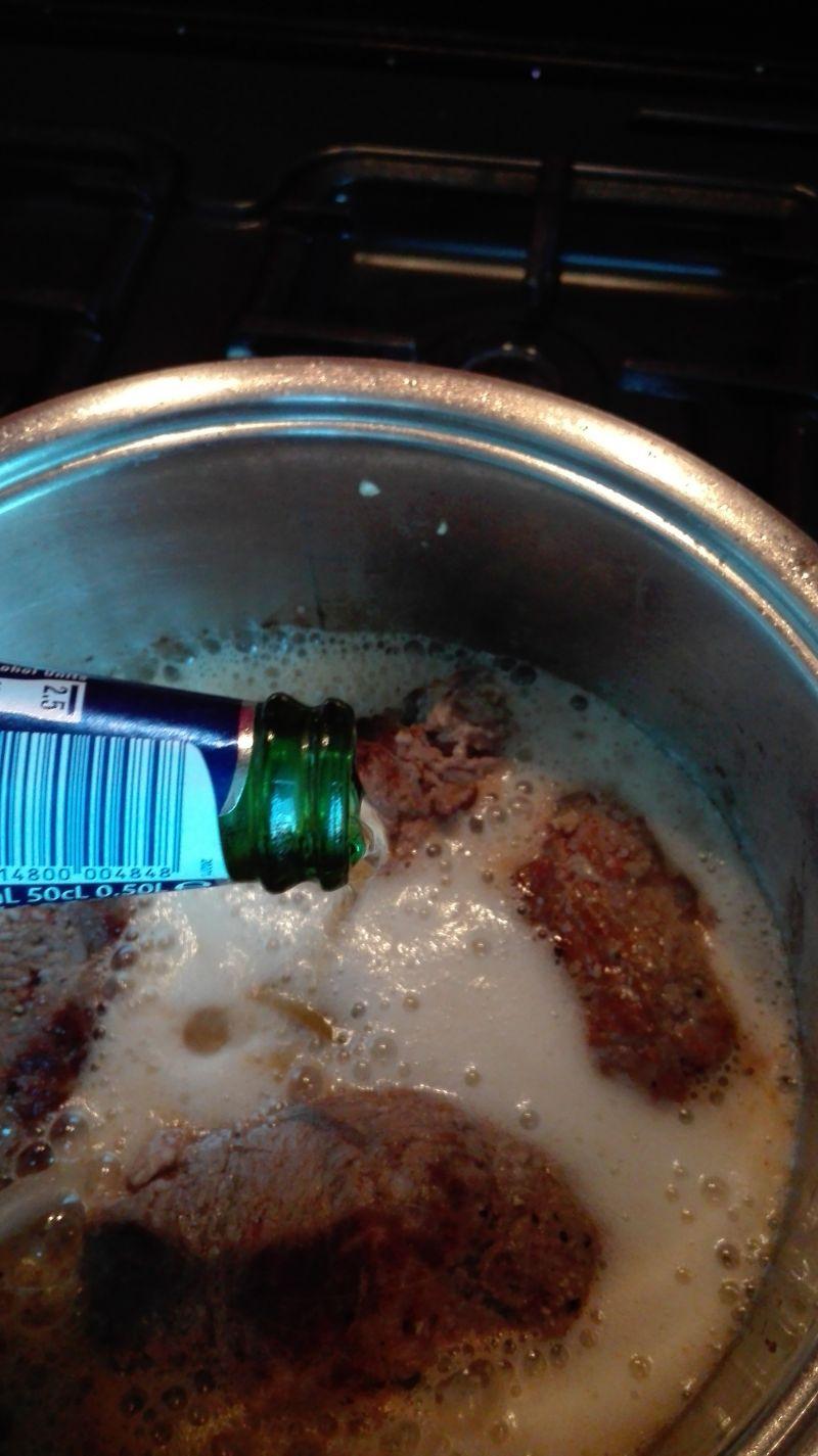 Zrazy wołowe z mielonym w piwie