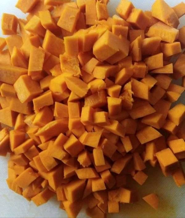 Zupa dyniowa z fasolką szparagową i papryką