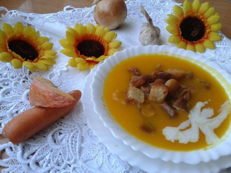 Zupa dyniowa z marchewką i ziemniakami