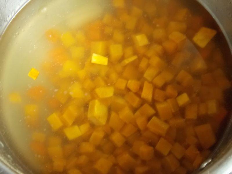 Zupa dyniowo-jabłkowa