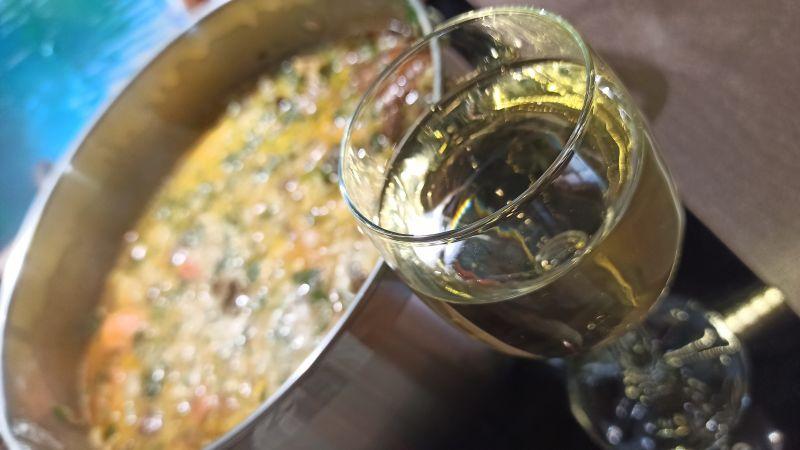 Zupa grzybowa z papryką gotowana z białym winem