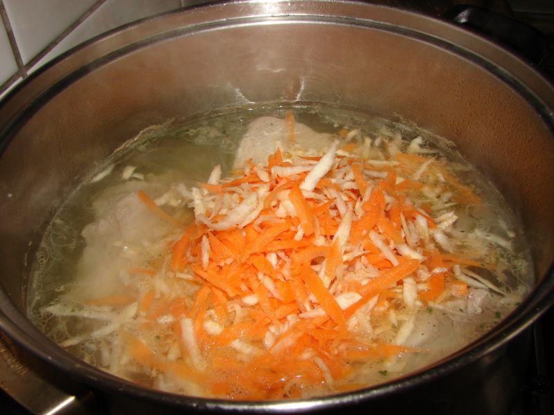 Zupa jarzynowa na żeberka