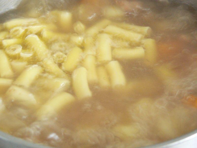 Zupa jarzynowa w trzech kolorach