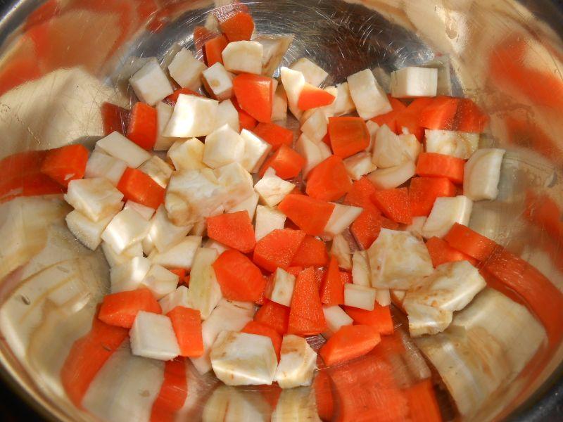 Zupa jarzynowa z brukselką