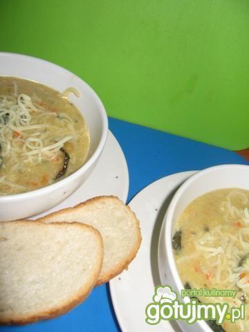 zupa jarzynowa z grillowaną cukinią