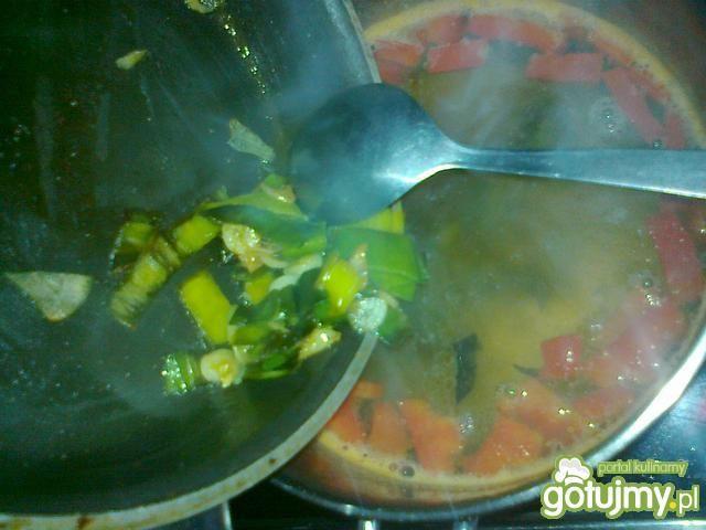 Zupa jarzynowa z makaronem na ostro