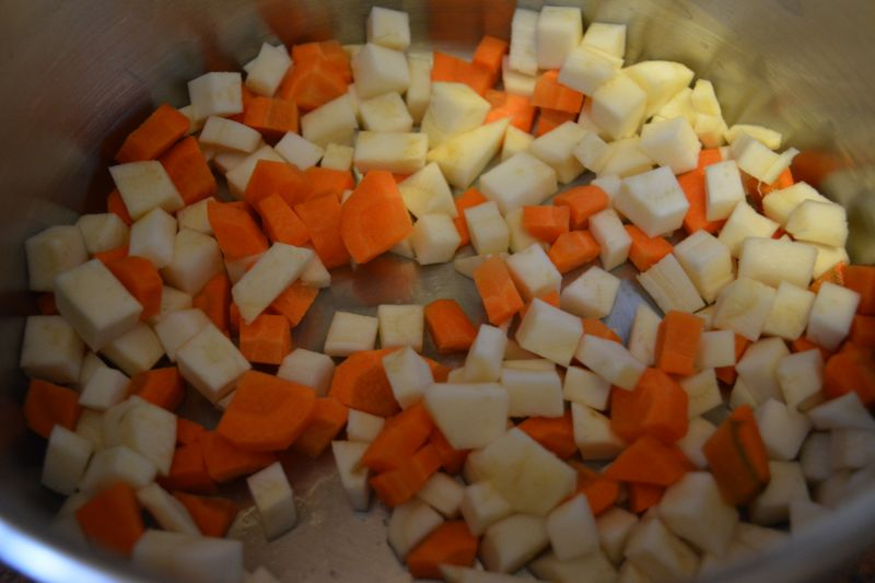 Zupa koperkowa z kalafiorem