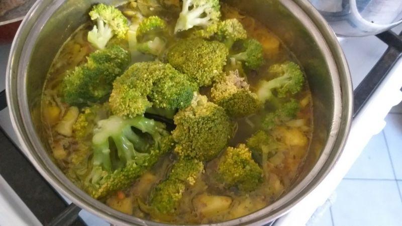 Zupa krem brokułowo - cukiniowa
