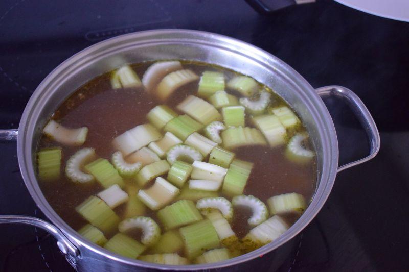 Zupa krem z sałaty masłowej
