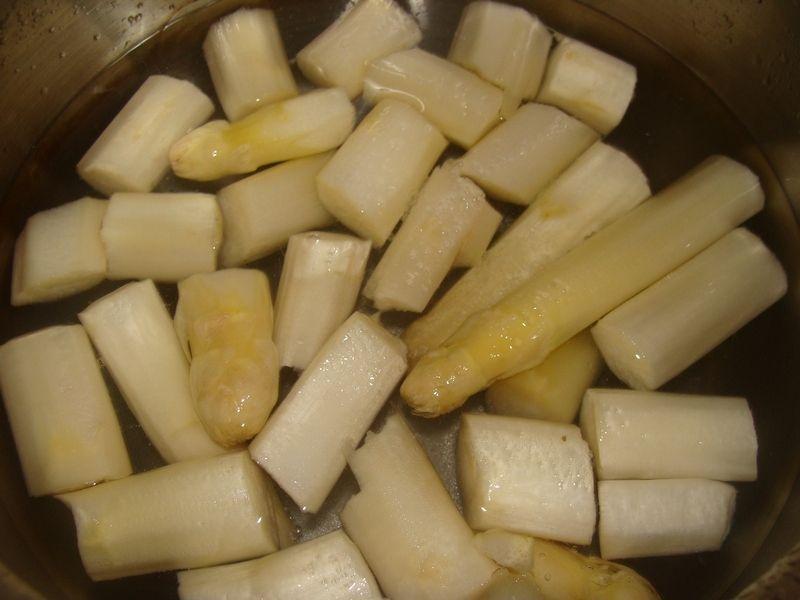 Zupa krem ze szparagów i pora