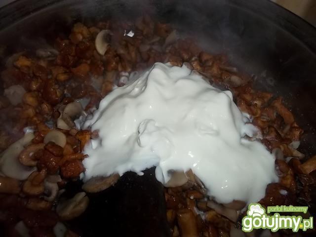 Zupa kurkowa z pieczarkami