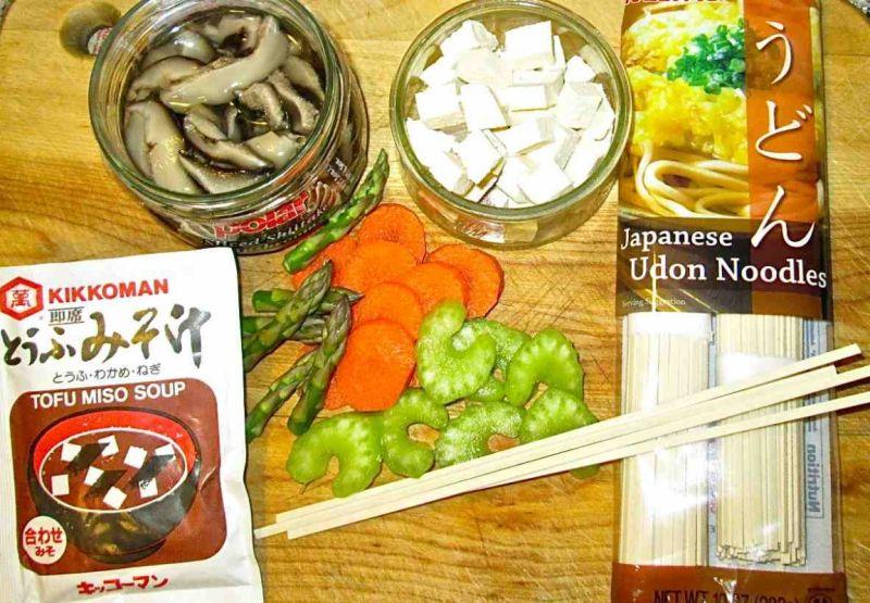 Zupa miso z tofu i shiitake