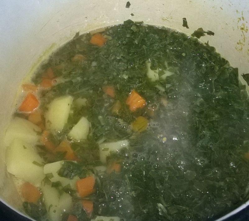 Zupa szczawiowa z mrożonego szczawiu z jajkiem