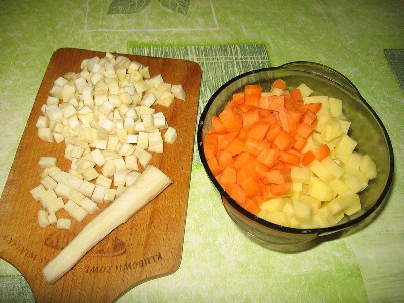 Zupa warzywna ze szpinakiem