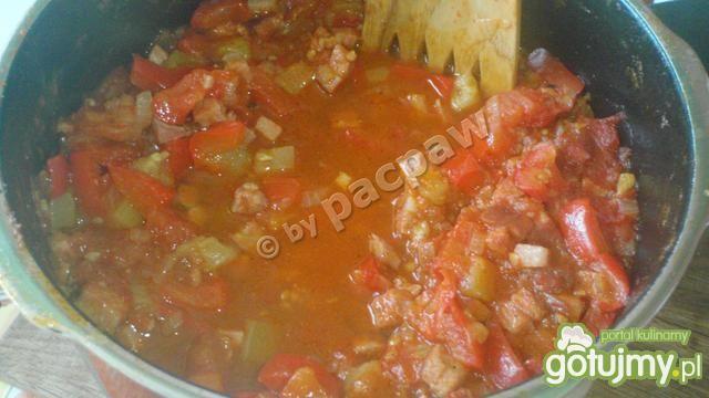 Zupa węgierska na kiełbasie i boczku