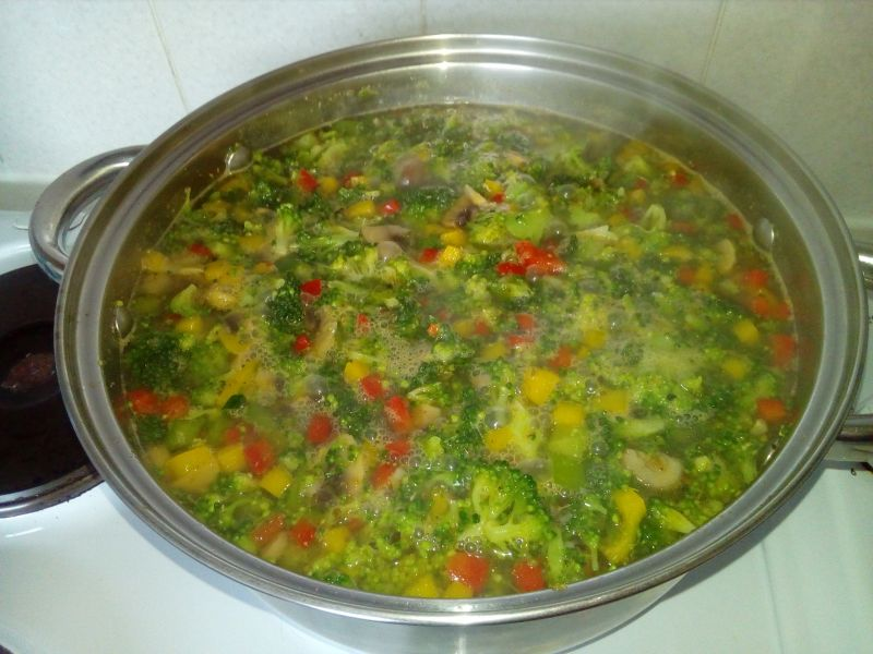 Zupa wielowarzywna