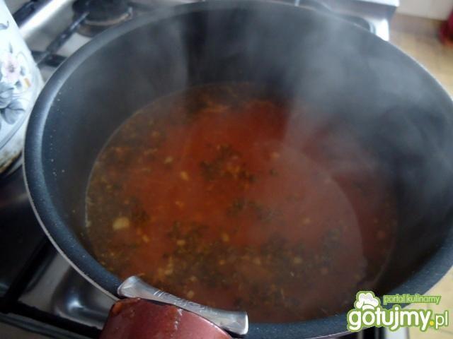 Zupa z ciecierzycy i soczewicy