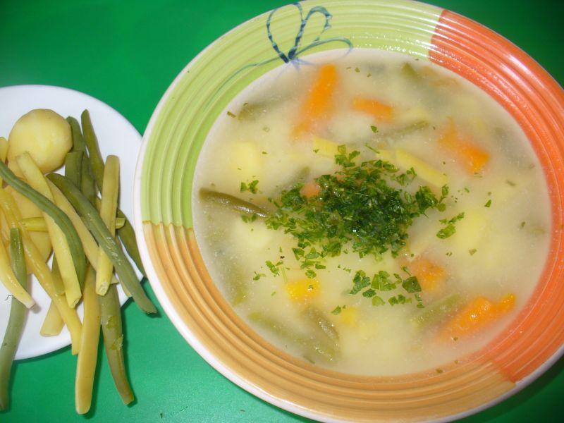 Zupa z fasoklą zieloną i żółtą