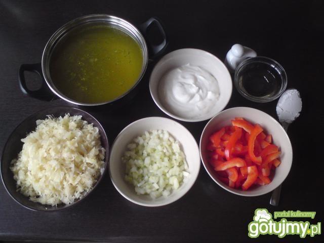 Zupa z kapusty i papryki