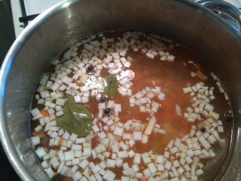 Zupa z kaszą jaglaną i boćwiną