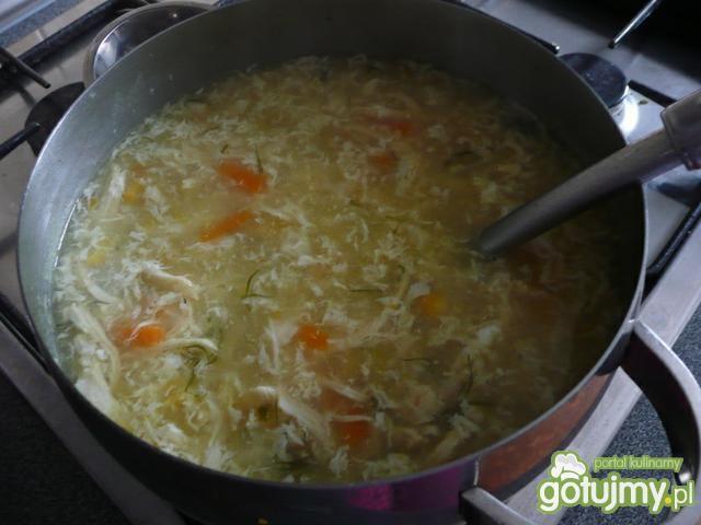 Zupa z kurczakiem i kukurydzą Chińska