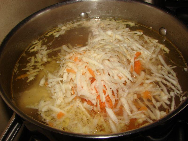 Zupa z pieczarkami i warzywami