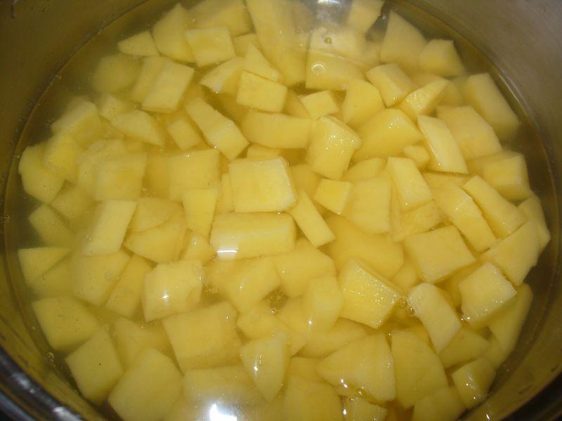 Zupa z ziemniakami i fasolką szparagową