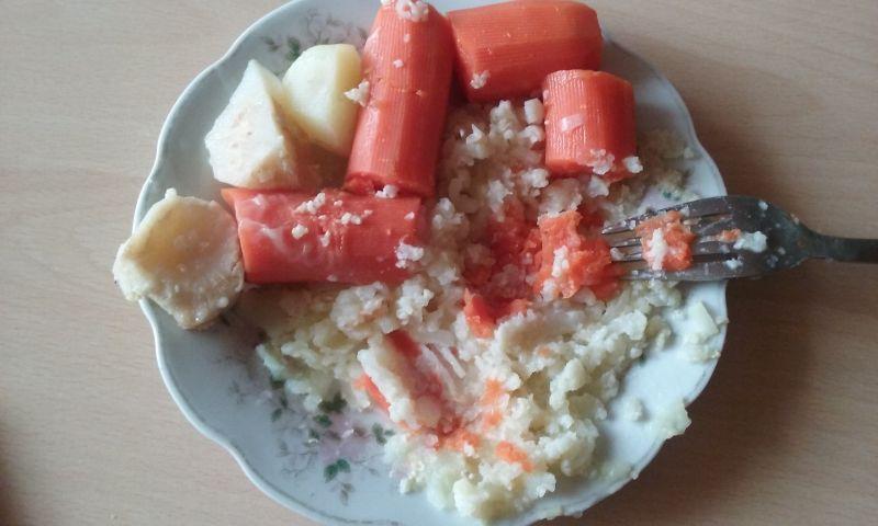 Zupka na cielęcinie z warzywami i kaszą jaglaną