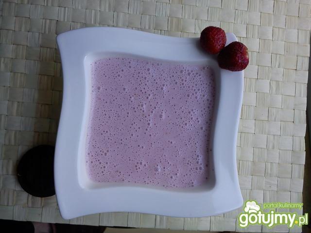 Zupka Truskawkowa chmurka z cynamonem