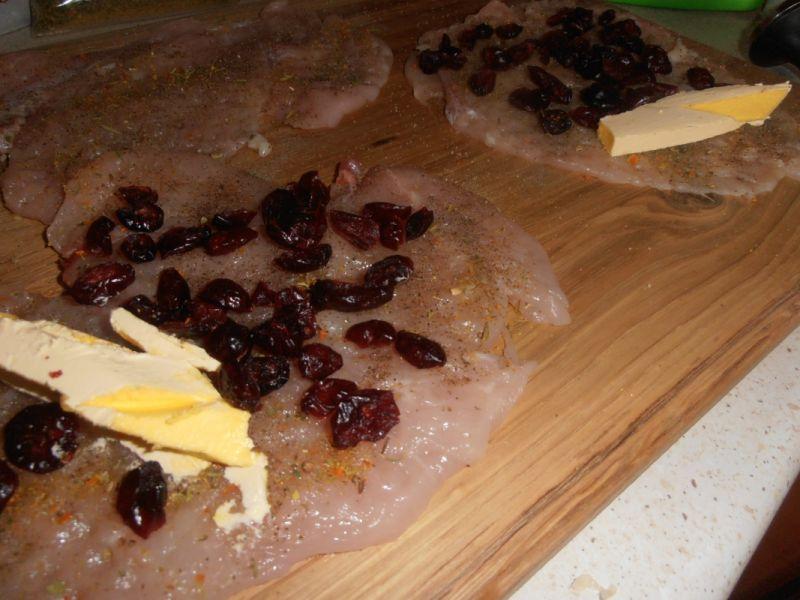 Żurawinowe roladki z oscypkiem i serową kratką