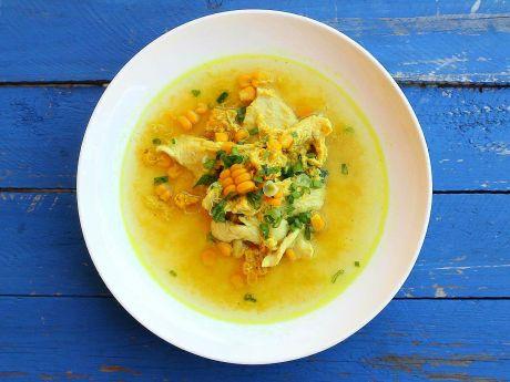 Azjatycka zupa z kukurydzą i kurczakiem
