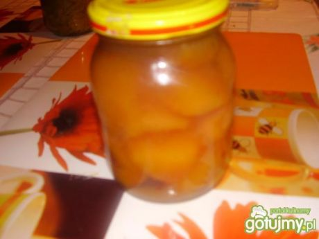 Brzoskwinie w syropie