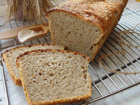 Chleb na zakwasie pieczenie