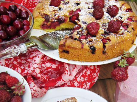 Ciasto ucierane z truskawkami i czereśniami - Ciasto ucierane z truskawkami i czereśniami