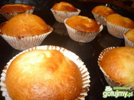Muffinki z budyniem