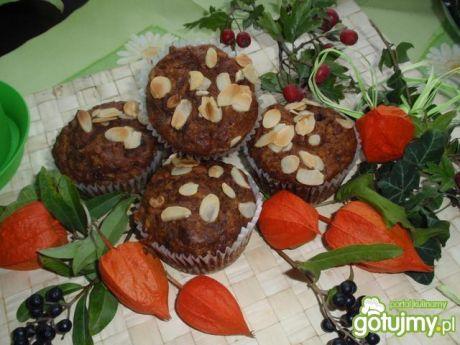 Muffinki z jabłkiem i marchewką