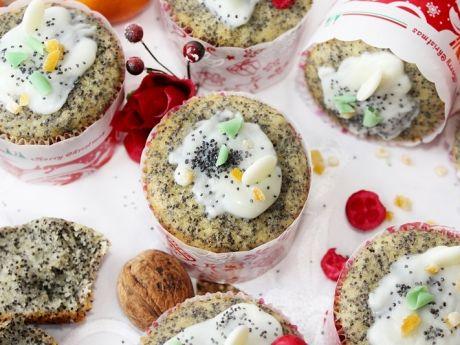 Pieguski - pomarańczowe muffinki z makiem  - Muffiny są puszyste i aromatyczne.