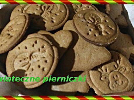 Pierniczki świąteczne - świąteczne pierniczki, aby nabrały pełnej krasy potrzebują czasu