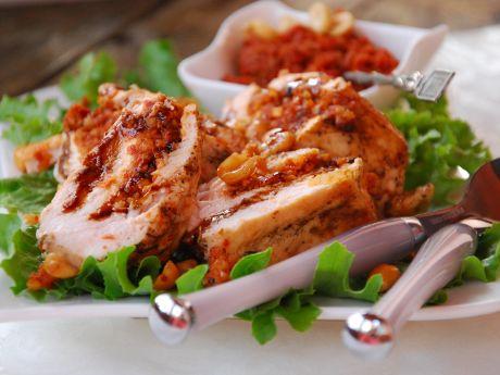 Pierś grillowana z pastą pomidorowo- orzechową - Pierś grillowa z pastą pomidorowo- orzechową