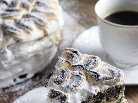 Płonący tort makowy z kremem i bezą włoską  - PŁONĄCY TORT MAKOWY Z KREMEM, PRAŻYNKAMI I PALONĄ BEZĄ WŁOSKĄ