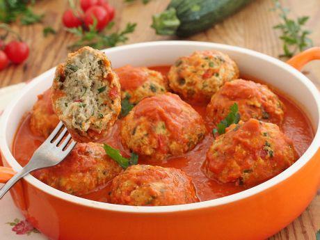 Pulpety z cukinią w pomidorach